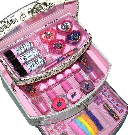 Детская косметика для девочек принцесса в чемоданчике купить в тушь эйвон тру